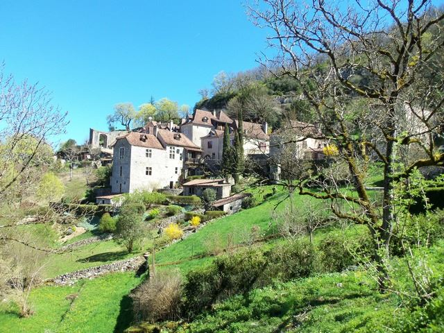 St Cirq Lapopie dans le Lot Midi-pyrénées Occitanie Plus Beaux Villages de France
