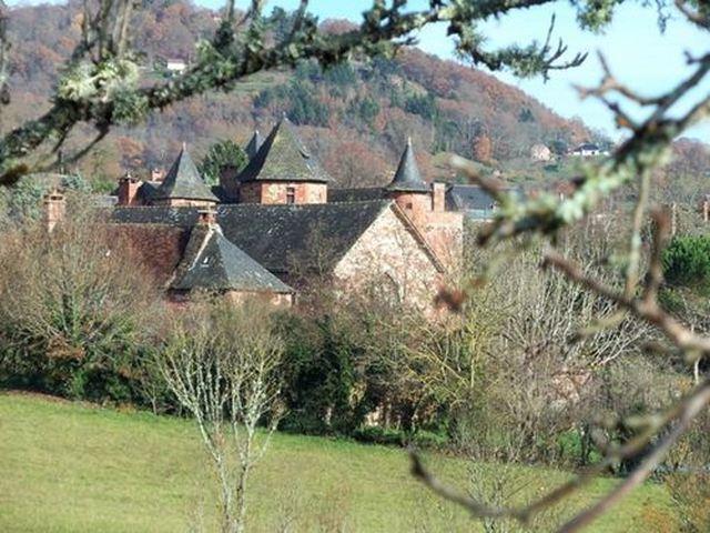 Collonges la rouge un des Plus Beaux Villages de France en Corrèze