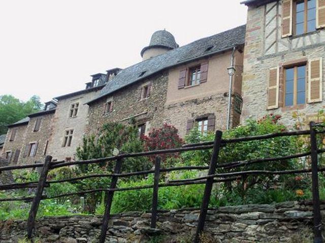 Conques Maisons de pierres