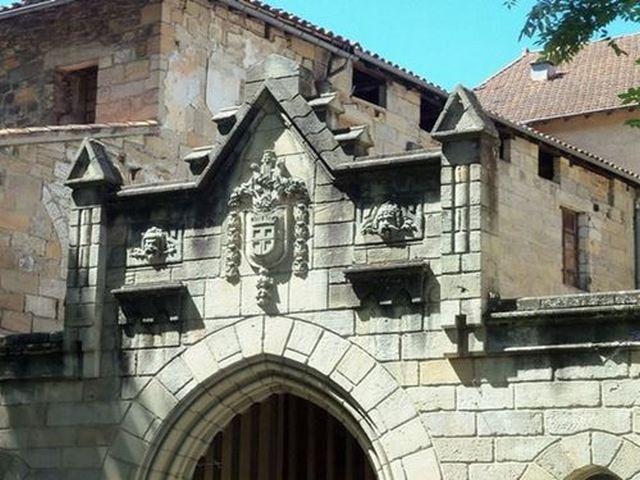 l'architecture à figeac détails d'une façade