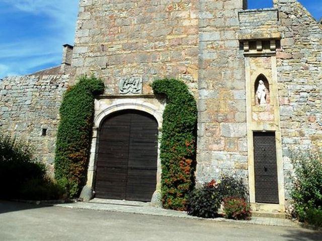 Loubressac ce château offre une magnifique vue sur la vallée de la Dordogne