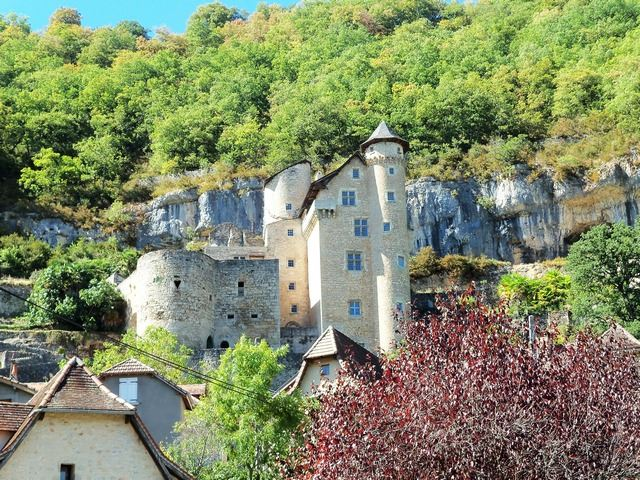 Village médiéval Château
