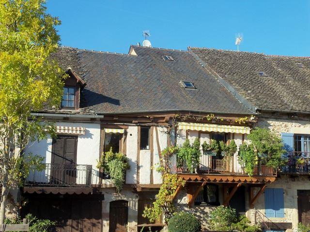 Maison façade village Najac