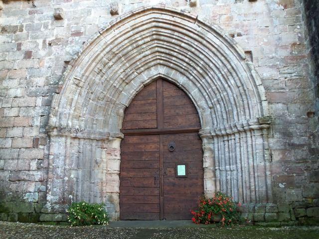 Najac entrée Eglise