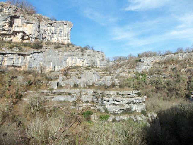 Falaise Alzou paysage Lotois