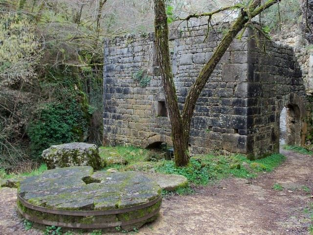 Moulin du Saut Lot Sentier de Grande randonnée GR6