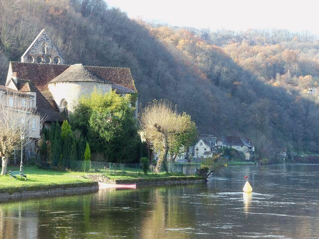 Beaulieu sur Dordogne Vue village