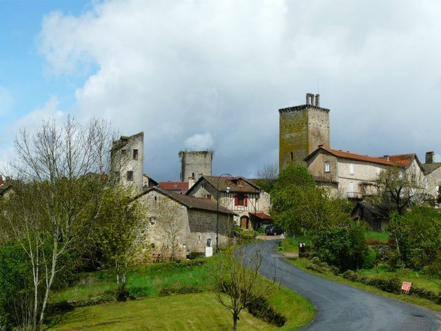 Village Cardaillac vue de loin