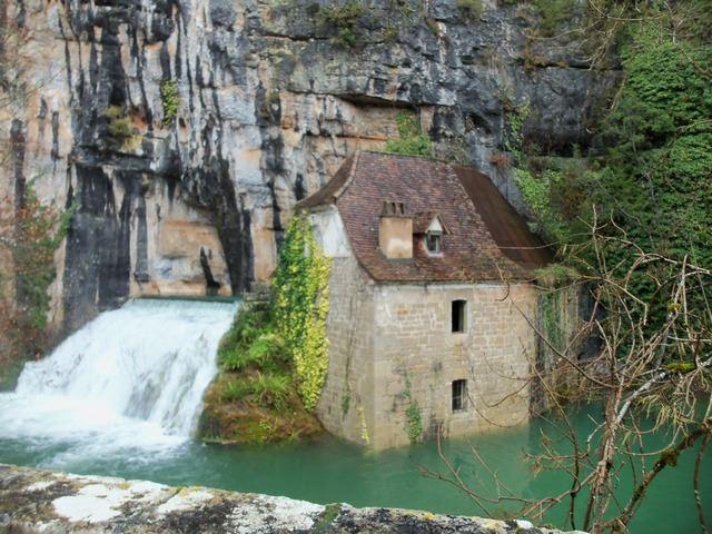 Moulin de la pescalerie proche du village lotois Cabrerets
