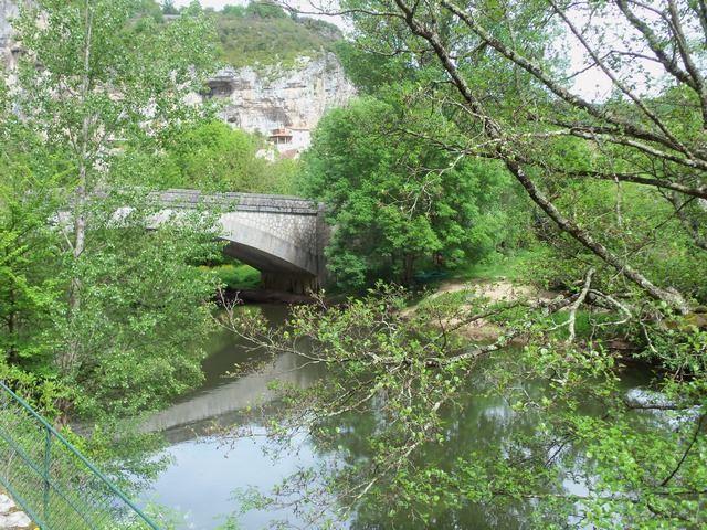 Le pont sur la rivière Célé Cabrerets